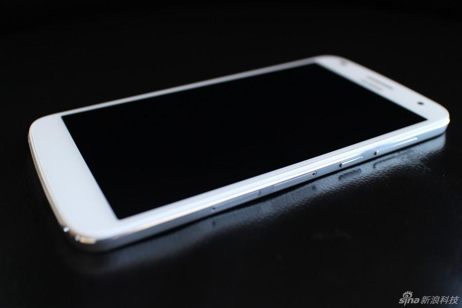 华为8月15日发布电信4G新机麦芒C199,其搭载了5.5英寸720P屏幕
