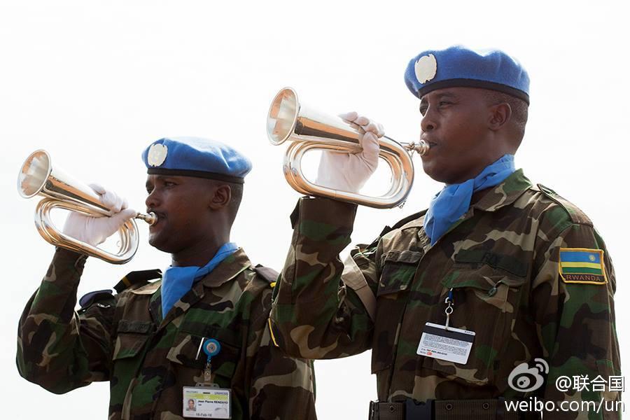 联合国南苏丹特派团为遇难俄籍机组人员举行悼念仪式