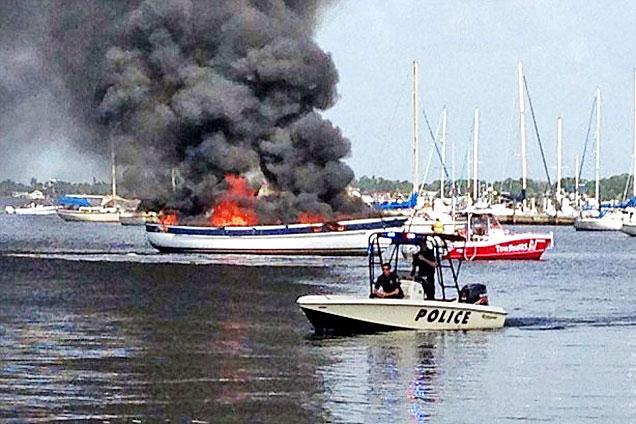美帆船爆炸起火致自闭症男孩命丧火海