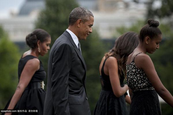 奥巴马遭遇西装门_白宫御厨娶美女主播 奥巴马全家盛装赴宴(组图)_国际新闻_环球网