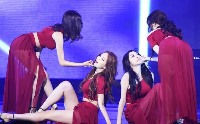 韩国女团舞台表演性感过头 遭下令整改