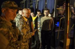 乌双方交换俘虏:民间武装释放31人 乌军交出36人