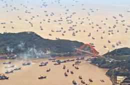 东海伏季休渔结束 现千帆竞渡壮观场面