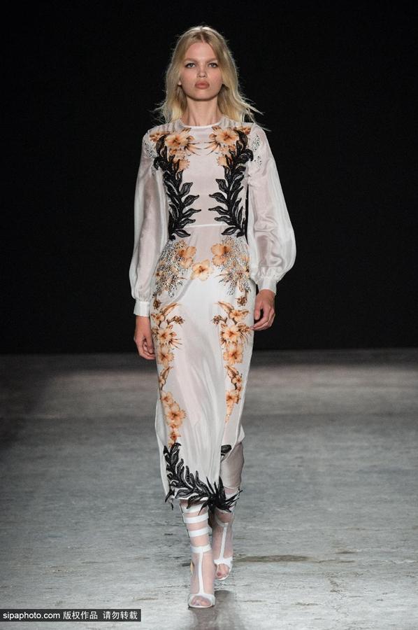 2015米兰时装周春夏,francesco scognamiglio品牌秀场,设计师大量使用