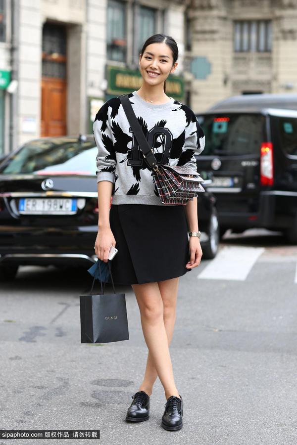 超模刘雯_中国超模刘雯9月17日米兰街拍_时尚_环球网