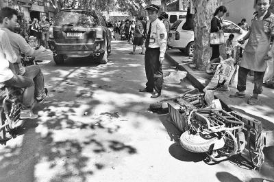 新手将油门当刹车眨眼撞倒6人 12岁女孩身亡
