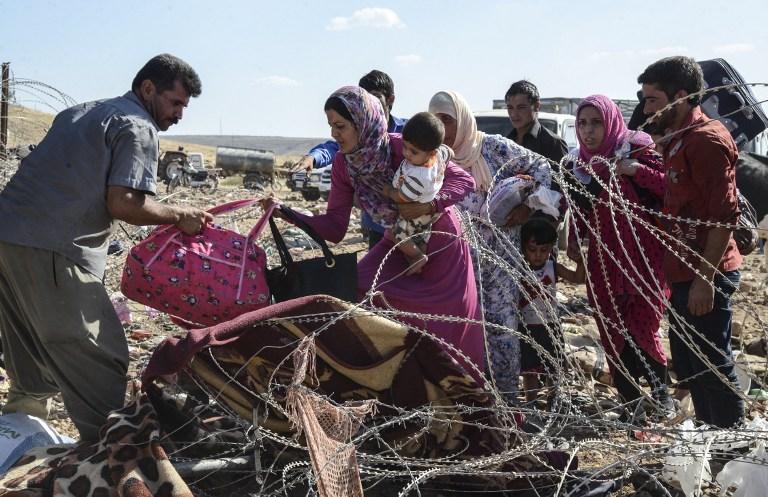 数万叙利亚库尔德人进入土耳其避难