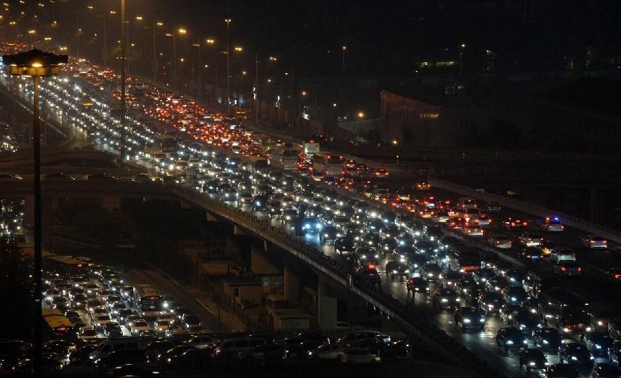 """北京:""""无车日""""早晚高峰多处严重拥堵"""
