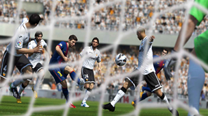 《FIFA 15》IGN 8.3分 球员AI实在太蠢