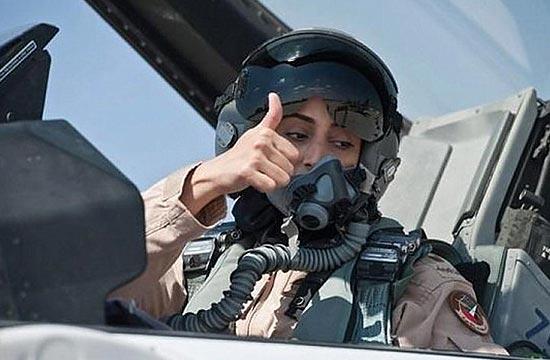 阿联酋女飞行员带领机群轰炸IS