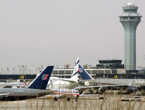 芝加哥/芝加哥机场遭员工纵火1800多次航班被取消(1/13)