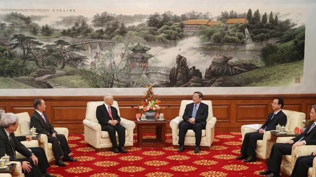 俞正声会见台湾和平统一团体联合参访团