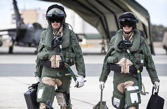 英国顶尖女飞行员率队打击ISIS