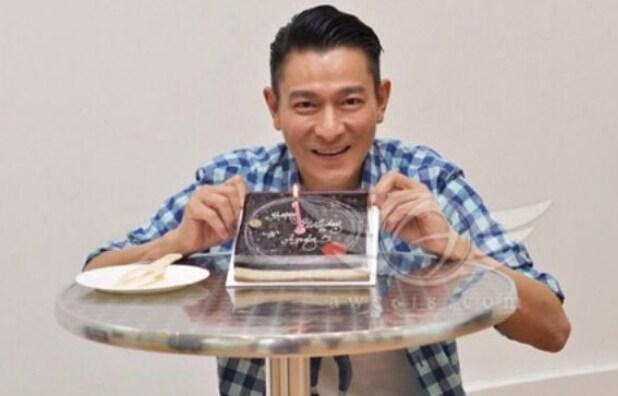 刘德华与女粉丝庆53岁生日