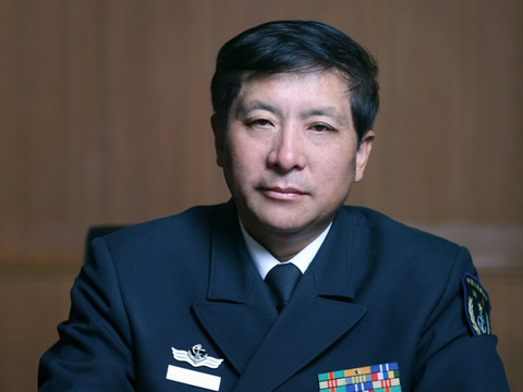 少将:外国元首访华应向人民英雄纪念碑献花圈