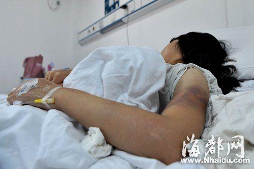 15岁少女遭8名女同学围殴 打人者均未成年(图)