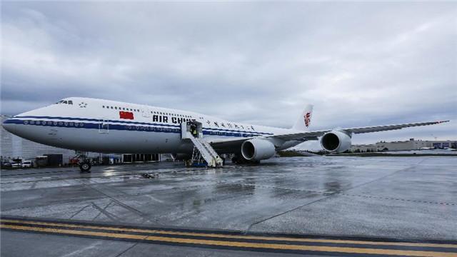 波音公司向国航交付中国首架新一代波音飞机747-8