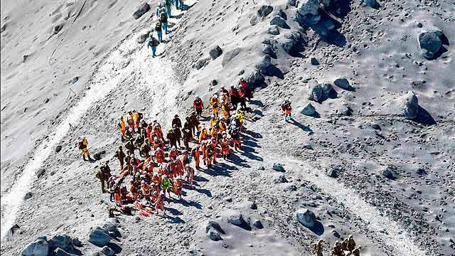 御岳山喷发死者升至48人 为战后日本最重火山灾难
