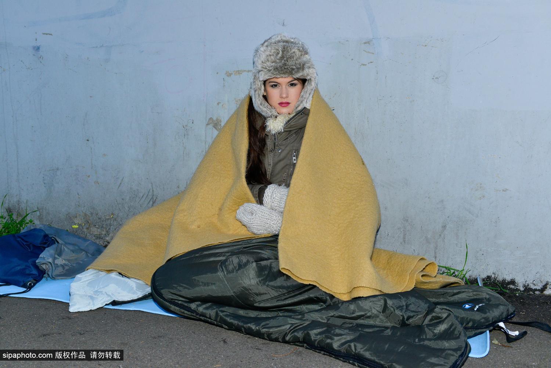 小姐 女生 剑桥/英国小姐露宿剑桥街头为救助流浪者推广公益计划(5/5)