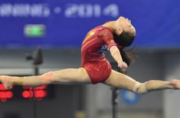 体操世锦赛女团中国亚军 美国卫冕俄罗斯季军