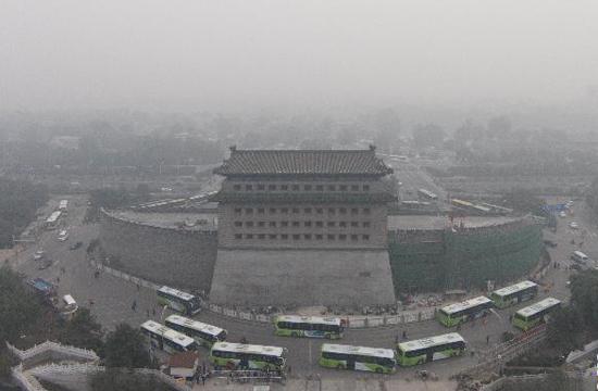 中国多地遭遇雾霾天气