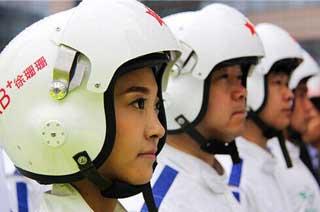 西安西京医院空中女护士亮相