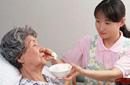 14日热点舆情:照顾老人有工资 温情养老新探索