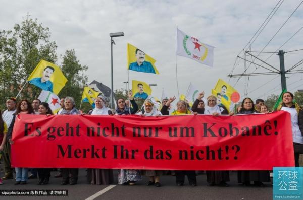 德千名库尔德人呼吁国际组织对抗ISIS(图)