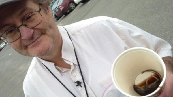 网曝加拿大一麦当劳咖啡惊现死老鼠 已展开调查