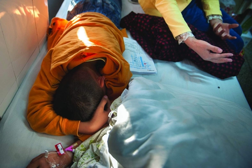 9岁孩子登门道歉 遭对方家长殴打逼跪