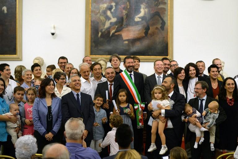 意大利罗马市长会见同性恋家庭