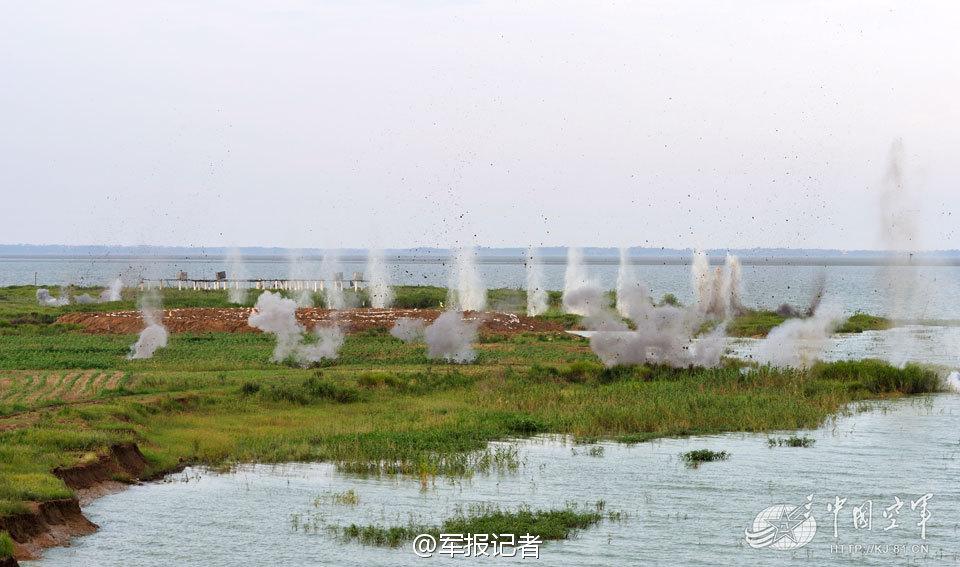 解放军在太湖上画靶练对岛攻击