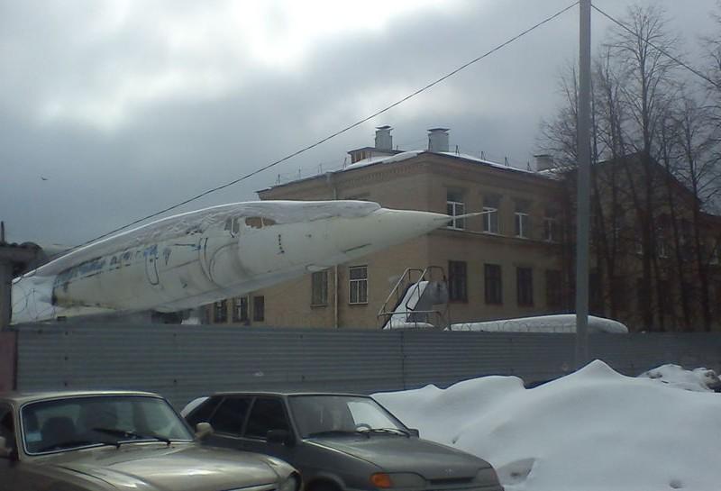 曾经辉煌图144客机成后院摆设