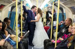 西班牙夫妇独爱英伦畅游伦敦拍旅行婚纱照