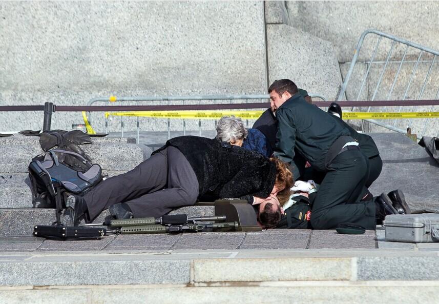加国会和战争纪念馆发生枪击 一名士兵和枪手死亡