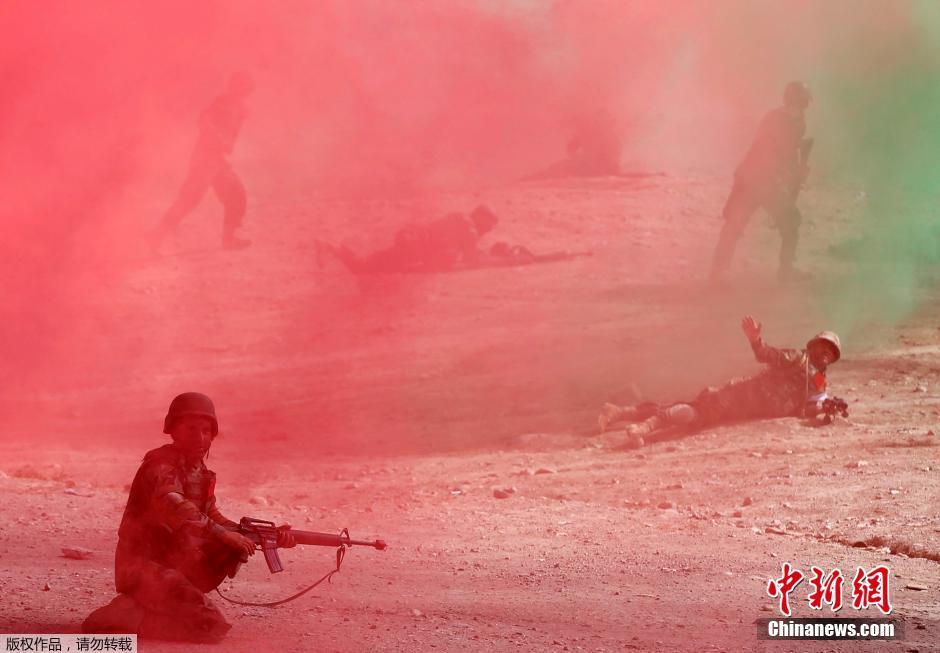 场面不小 阿富汗军队大演习