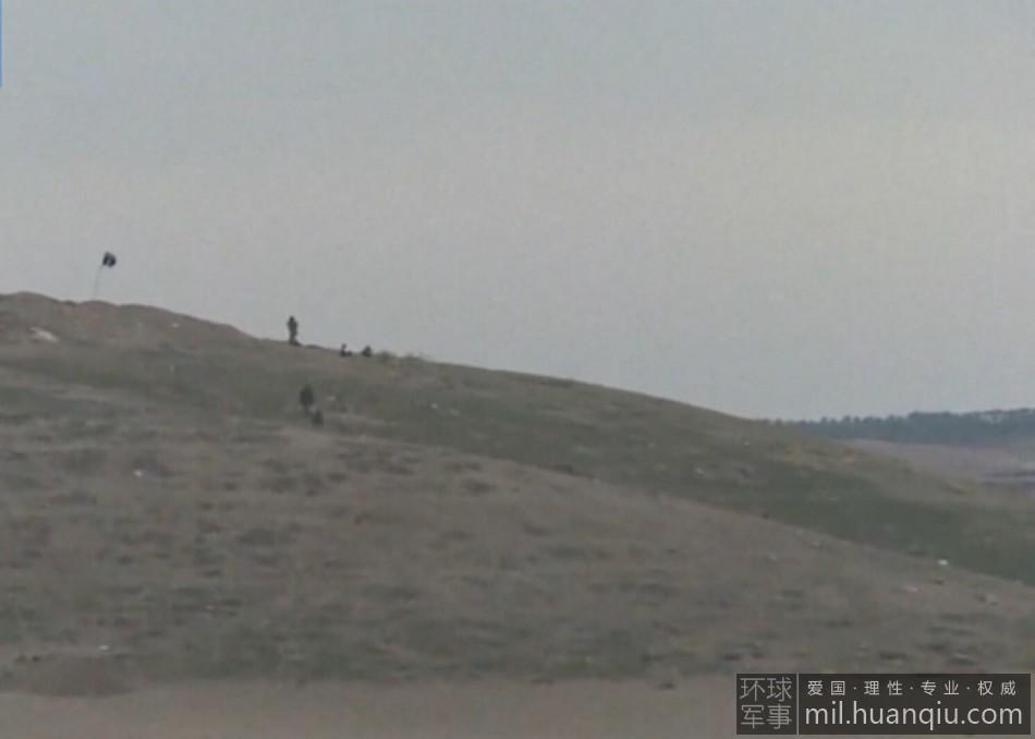 美军空袭将ISIS连人带旗炸飞