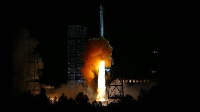 中国探月工程三期再入返回飞行试验器发射成功