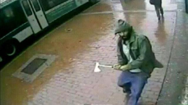 """纽约""""斧头男""""袭警遭击毙 警方调查是否涉ISIS"""
