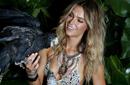 澳洲环球小姐拍比基尼写真 上演丛林诱惑