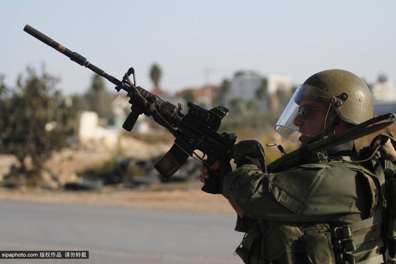 巴勒斯坦再爆冲突 当地青年向以警方投掷易燃物
