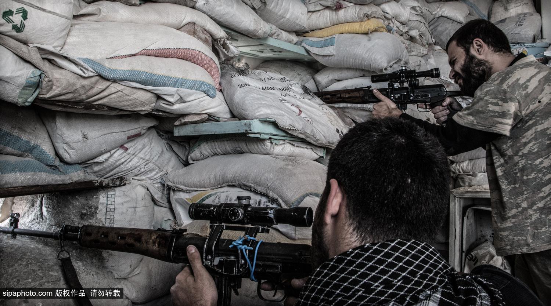 叙利亚内战:叙反抗军枪不离手 紧张局势一触即发