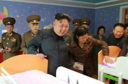 朝鲜一位实权人物时隔两个月现身并迎接金正恩视察