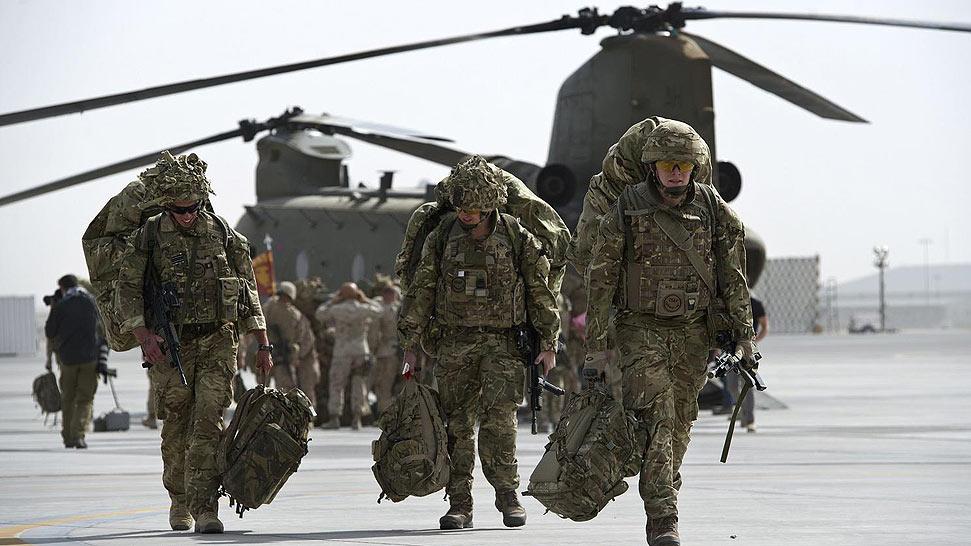 """最后300名驻阿英军""""打包""""撤离阿富汗"""