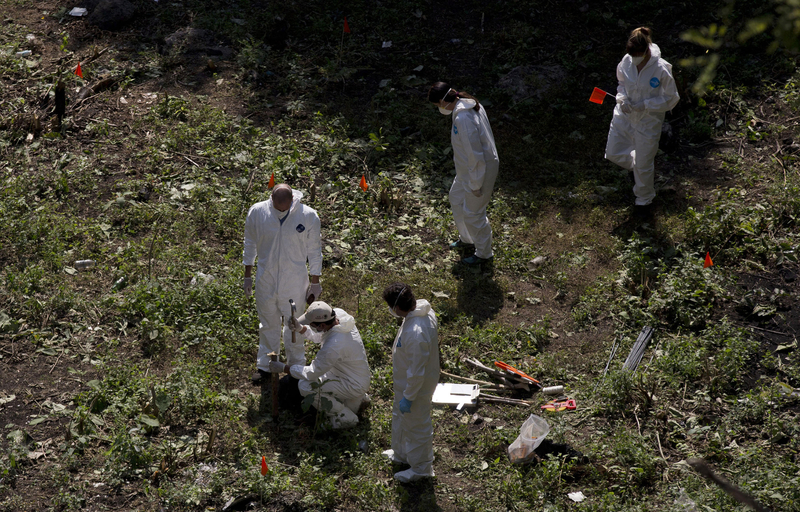 墨西哥失踪43名学生埋尸地供出 法医前往现场搜尸