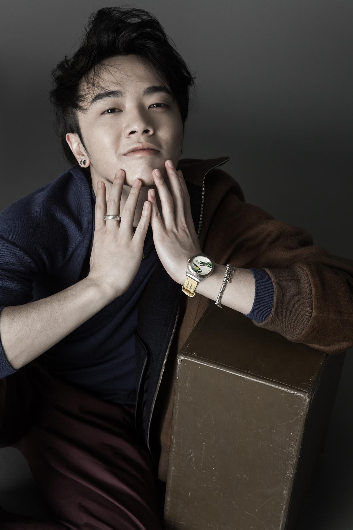 近期,华晨宇以中国新生代音乐人代表,接受l