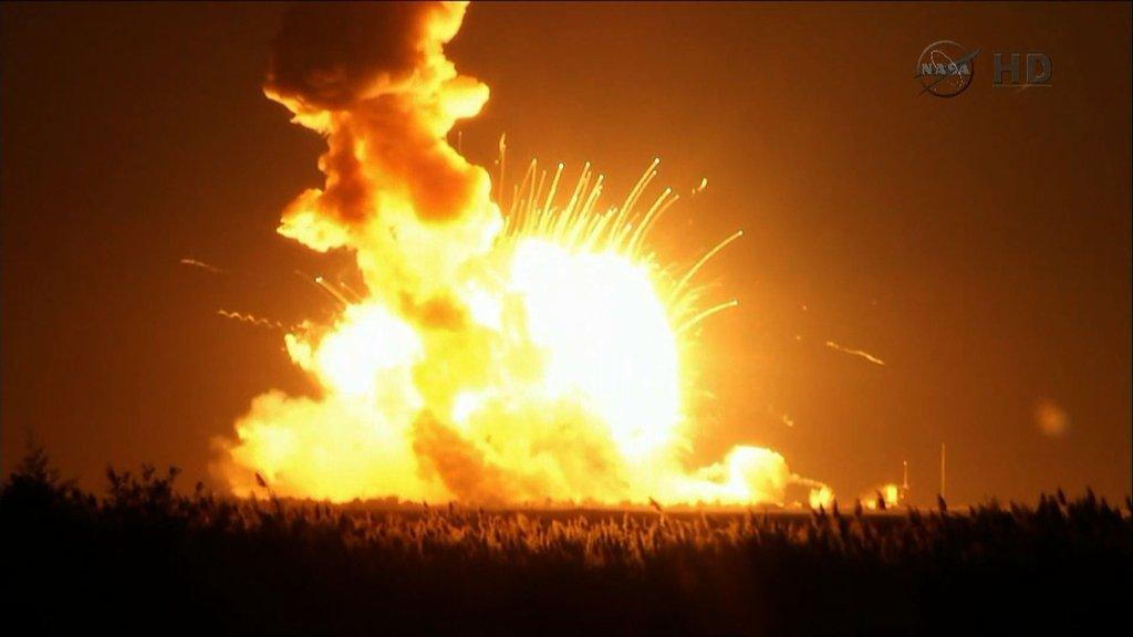 美国轨道科学公司天鹅座飞船点火后不久爆炸