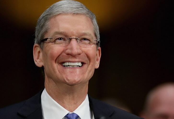 """苹果CEO库克谈""""出柜"""":同性恋让我的生活更加富足"""