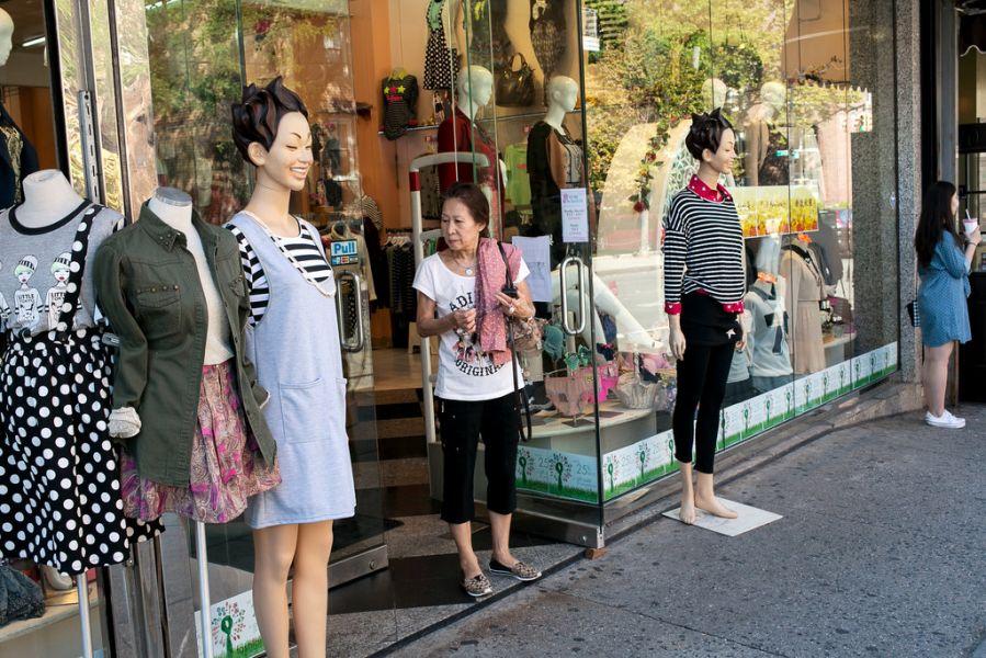 """实拍纽约法拉盛亚式生活 被称""""中国人的曼哈顿"""""""