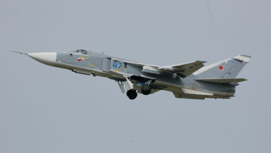 俄2天派4批军机兵分多路包围欧洲 北约震动
